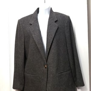 Beautiful Sag Harbor gray jacket